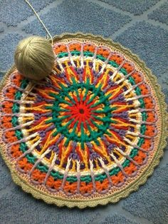 Crochet Overlay - Mandala: Just a picture for inspiration. No pattern. Crochet Mandala Pattern, Crochet Circles, Form Crochet, Crochet Round, Crochet Squares, Crochet Home, Crochet Crafts, Crochet Stitches, Crochet Projects