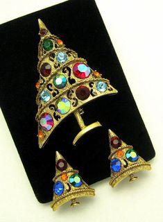 Vintage WEISS Asymmetrical Gold Tone Christmas Tree Set Brooch Clip Earrings #Weiss