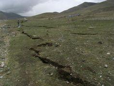 Yushuquake-Gruschke - Yushu-Erdbeben 2010 – Wikipedia Mountains, Nature, Travel, Earth Quake, Naturaleza, Trips, Viajes, Traveling, Outdoors
