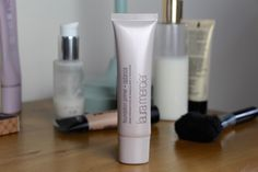 "This is a review of both the ""Radiance"" Foundation Primer and the Eye Canvas from Laura Mercier."