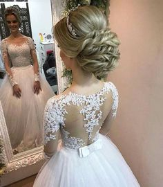 Wedding Ideas - Number one for real weddings and fabulous planning ideas for bride, wedding dresses, bridesmaids, wedding cakes and much Wedding Hair And Makeup, Wedding Updo, Bridal Wedding Dresses, Wedding Bells, Bridal Hair, Wedding Cake, Bridal Flip Flops, Quinceanera Hairstyles, Wedding Hair Inspiration