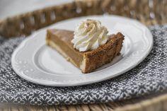 Baka glutenfri pumpapaj till halloween - ja, varför inte hela hösten lång när pumpan är i säsong? Fyllningen i en klassisk amerikansk pumpapaj är glutenfri. Cheesecake, Desserts, Food, Halloween, Drinks, Cheesecake Cake, Postres, Beverages, Deserts