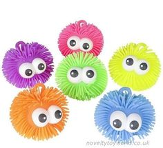 A fun little novelty puffer ball with bulging eyes that pop out further when squeezed. In assorted bright colours. Wholesale bulk buy from 96 units.
