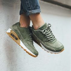 """Nike gets lush with the new Air Max 90 """"Oil Green."""" Get a closer look on…"""" the color is SUPER, greeny color calm the mood and ready to go anywhere Reebook Shoes, Cute Shoes, Me Too Shoes, Shoe Boots, Footwear Shoes, Fall Shoes, Moda Sneakers, Sneakers Mode, Sneakers Fashion"""