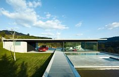 Miño River House: Creative Contemporary Residence in Spain