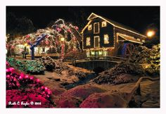 pictures of peddlers village christmas | ... the Seasons >> Holiday Lights at Peddlers Village > Peddlers Mill
