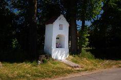 Kapliczka w Jesionowie http://www.kochamywarmie.pl/2017/06/jesionowo-tulawki-nowe-wloki-i-warmia.html