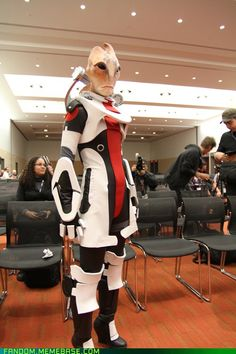 Kotaku's Mordin cosplay from Mass Effect. Wow, that's very good, especially the headpiece.