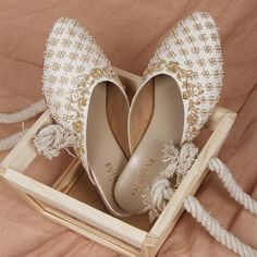 Bridal outfits selected, jewellery done, make up arrangement finalized. But one of the important things that left to be done is shopping for bridal footwear. Bridal Footwear, Bridal Flats, Wedding Shoes, Beaded Shoes, Beautiful Dress Designs, Mother Of Bride Outfits, Wedding Mandap, Fancy Jewellery, Pakistani Bridal