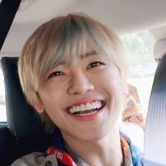 Senyum muu mas~membuat mataku mendapat vitamin wah+dosa:v Lucas Nct, K Pop, Taeyong, Nct Dream Jaemin, Funny Kpop Memes, Na Jaemin, Love At First Sight, Best Couple, South Korean Boy Band