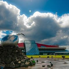 Think a nine hour airport layover sounds bad? What if you could spend it at a thermal spa. Reykjavik, Iceland has the world's best airport layover options.