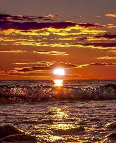 Mermaids And Mermen, I Love The Beach, Turquoise Water, Beach Bum, Waves, Clouds, World, Amazing, Nature