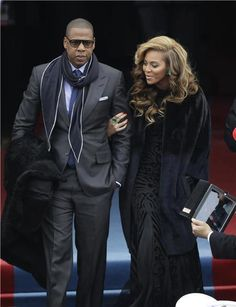 Beyonce and Jay Z turning it out. His swagg/aura tho. Black Love, Black Is Beautiful, Beautiful People, Beyonce 2013, Divas, Beyonce Style, Stylish Couple, Famous Couples, Manish