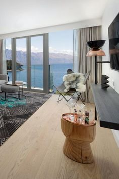 NEW PROJECT: QT Queenstown Hotels & Resorts Year: 201 Area:1,268m2 Product: Oak White Professionals involved: Deavoll Construction Photography: Naylor Love Where Mother Nature Meets Modern Design. Incomparable views over the crystal clear Lake Wakatipu and breathtaking peaks of the Southern Alps set the scene at QT Queenstown. #timberflooring #flooring #woodflooring #engineeredhardwood #engineeredwoodflooring #engineeredflooring #oakflooring #haroflooring #haroflooringnz
