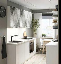 Tener pocos metros no es un problema si sabes aprovecharlos y decorarlos. Apunta estas ideas para que tu pequeña cocina sea enorme en buen gusto, decoración y aprovechamiento del espacio sin ...