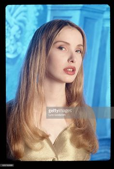 News Photo : 1992- Picture shows actress, Julie Delpy, posing...