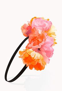 Going to definitely try pulling off a flower power head band sometime soon! #Forever21