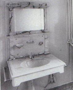 1st Class Bathroom Sink