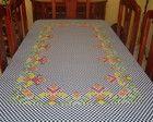Toalha de mesa em ponto cruz duplo