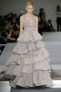 Front of Elie Saab Couture gown - Elie Saab Couture Spring 2009; maybe even with 3/4 length lace sleeves