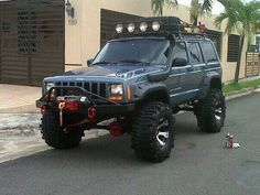 Jeep no body wants to play with me. Quiero que termine asi! Jeep Xj Mods, Modificaciones Jeep Xj, Jeep Cars, Jeep Truck, Jeep Wrangler, Jeep Cherokee Xj, Cherokees, Badass Jeep, Offroader