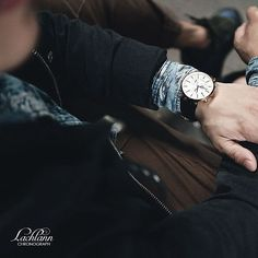 A blend of classic contemporary timepiece in 42mm. This Första Róse Gold is perfect for your everyday style. Visit www.lachlannwatches.com #lachlannwatches #travelwithtime #timeisrosegold Men's Watches, Watches For Men, Everyday Fashion, Menswear, Style Inspiration, Mens Fashion, Contemporary, Classic, Instagram Posts