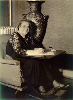 Uncovered boxes shed light on Maggie Lena Walker, an African American icon and first woman to own a U.S. bank    As they spent eight years cataloging Walker's papers, a random group of women formed a sisterhood.