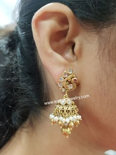 Gold Jhumka Earrings, Indian Jewelry Earrings, Buy Earrings, Gold Earrings Designs, Temple Jewellery, Necklace Designs, Gold Jewelry, Antique Jewelry, Diamond Necklace Set