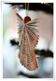 INNENANSICHTEN: Weihnachten (I'd make these Angels out of old Sheet Music!)