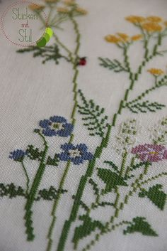 Kazuko Aoki / Cross Stitching Table Cloth