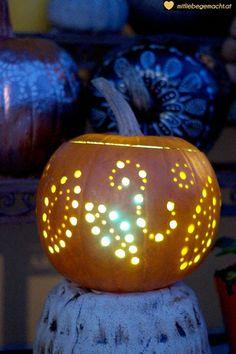 Meine Lieblings Kürbis Deko Ideen   ♥ Mit Liebe gemacht Pumpking Carving, Pumpkin Wedding, Diy Crafts, Halloween, Pumpkin Ideas, Tricks, Pumpkins, Decorating Ideas, Inspiration