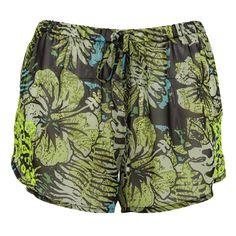 Zöld rövidnadrág, ami ideális viselet vízparton. Instagram 4, Trunks, Swimming, Photo And Video, Swimwear, Clothes, Fashion, Drift Wood, Swim