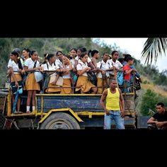 Transporte escolar em Cuba.