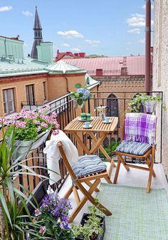 Nice Mini Balcony Decor