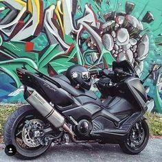 Yamaha Scooter, Scooter Motorcycle, Yamaha Motorcycles, E Scooter, Cars And Motorcycles, Tmax Yamaha, Iron Man, T Max 530, Custom Trikes