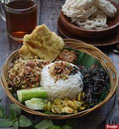 Filipino Food Party, Asian Recipes, Healthy Recipes, Ethnic Recipes, Healthy Food, Malay Food, Asian Street Food, Indonesian Food, Indonesian Recipes