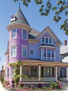 Purple Victorian House #victorianarchitecture