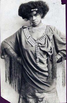 vintage Aida Overton Walker, c. Abyssinia costume one Aida Overton Walker, c. Abyssinia costume one Women In History, Black History, Vintage Black Glamour, Vintage Beauty, African Diaspora, My Black Is Beautiful, African American History, Vintage Photographs, Black People