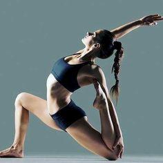 Yoga poses offer numerous benefits to anyone who performs them. There are basic yoga poses and more advanced yoga poses. Here are four advanced yoga poses to get you moving. Vinyasa Yoga, Yoga Bikram, Mat Yoga, Yoga Pilates, Ashtanga Yoga, Asana Yoga Poses, Iyengar Yoga, Yoga Routine, Yoga Flow