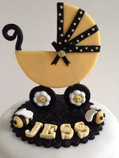 'Mommy to Bee' themed baby shower cake by Baked Keepsakes.