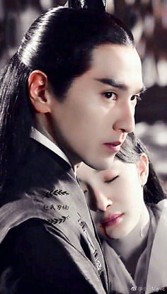 MY POOR YEHUAAAAA ALL HE DID was pick up after her, she was such a butt. BUT THEY ARE SO preshus.. 3 lives 3 worlds 10 miles of peach blossoms, Eternal Love 3l3w Yang Mi 杨幂 & Mark Zhao 趙又廷