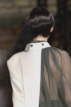 Layered blouse detail with juxtaposition of opaque & structured with sheer & floaty; fashion details // Yohji Yamamoto – Best Fashions for All Fashion Designer, Fashion Art, High Fashion, Fashion Show, Womens Fashion, Fashion Trends, Cheap Fashion, Fashion Clothes, Deconstruction Fashion