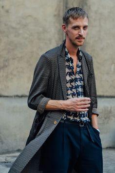 Tommy Ton's Best Street-Style Pics From the Men's Shows - Gallery - Style Best Street Style, Street Look, Men Street, Street Styles, Paris Street, Look Fashion, Fashion Show, Mens Fashion, Fashion Trends