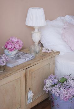 Lilacs and peonies Shabby Home, Lilacs, Peonies, Bedroom, Simple, Blog, House, Beauty, Home Decor