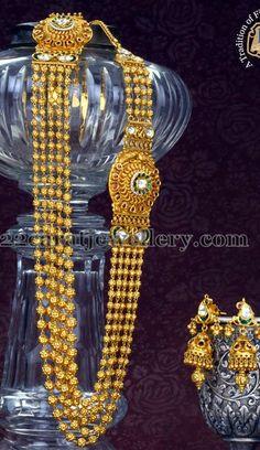 Jewellery Designs: Chandra Haram with Kundan jhumkas Indian Jewellery Design, Jewellery Designs, Jewelry Patterns, Indian Jewelry, Jhumka Designs, Gold Designs, Bridal Jewelry Sets, Bridal Accessories, Antique Jewelry