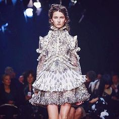 #AlexanderMcQueen's #SS16 collection continues the brand's flair for intricacy, craftsmanship and attention to detail. #PFW #regram sergekerbel