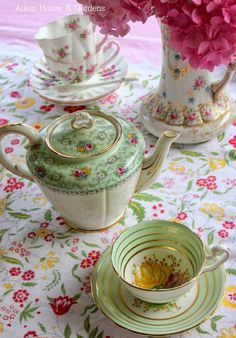 Aiken House & Gardens: Preparing for the Vintage Tea Party . Tea Cup Saucer, Tea Cups, Vintage Tea Parties, Teapots And Cups, My Cup Of Tea, Tea Service, Chocolate Pots, Vintage China, High Tea