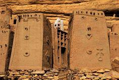 Africa | Dogon village. Bandiagara Cliffs, Dogon Country, Mali | ©Michel Renaudeau