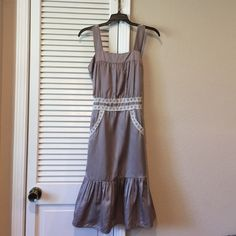 Melanie Renee dress Gray dress with lace detail. Very cute. Size M but it runs very small. It fits like a 0/2. Melanie Renee Dresses