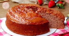 Pan di fragola una torta veloce e sofficissima preparata con le fragole frullate direttamente nell'impasto. Morbida e veloce.